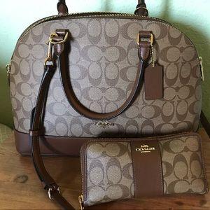 Coach Sierra Satchel w/ matching wallet 😍
